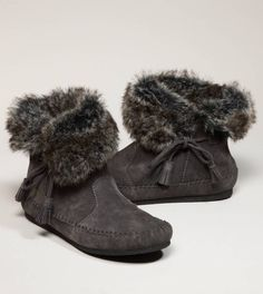 American Eagle, Minnetonka Sierra Side Lace Cuff boots. I just bought these, never enough moccasins.