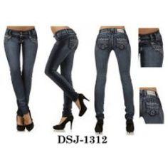 Solo 29.99 Jeans Levanta Cola… Hacemos envíos a todas partes del mundo!!! Has tu pedido hoy!!! www.Pfcolombianjeans.com (832)5781040 (832)6544215