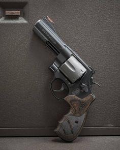 S&W 629 .44 Magnum  - ReadyGunner.com - #DailyBadass #GunFreaks #Gun #Guns #Firearms #ReadyGunner #FirearmPhotography #GunPorn #GlockPorn…