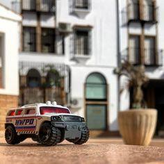#jeepster #jeepsterhwpd #policecar #Repost @arequenapx with @repostapp  Un #trabant por las calles de #montilla. #hw #hotwheels #diecastcar #diecast #hotwheelscollector #hotwheelsdaily #hotwheelspics #hotwheelsrepost #hotwheelsspain #diecastcars #diecastpics #miniaturas #cochecito #cartoys #hwc #ajrhw #wheels #twitter #diecastphoto #diecastphotography
