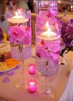 Hermosos centros de mesa color violeta.. en azul y amarillo @Mónica Ac