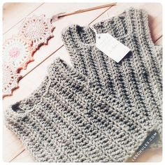 Crochet For Kids, Diy Crochet, Crochet Top, Baby Knitting Patterns, Crochet Patterns, Baby Kimono, Crochet Baby Cardigan, Baby Kids, Wool