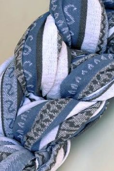 Zara Tri Blue. Short wrap and ring sling.