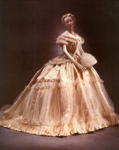 Dress worn by empress Sisi From i49.tinypic.com:2sba1s4