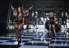 French model Cindy Bruna walks the runway during the 2014 Victoria's Secret Fashion Show at Earl's Court exhibition centre in London on December LEON NEAL — AFP/Getty Images Victoria Secrets London, Victoria Secret 2014, Victoria Secret Fashion Show, Black Underwear, Victoria's Secret, Vs Fashion Shows, French Models, Vogue Australia, Taylors
