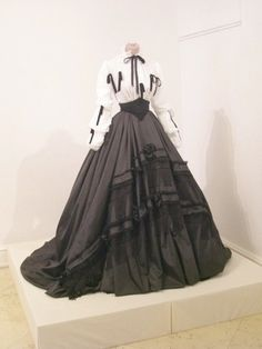 1864 Day dress (location unknown to gogm) | Grand Ladies | gogm