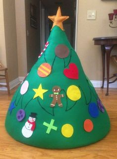 Toddler Felt Christmas Tree- This is cute and I could glue velcro to the backs
