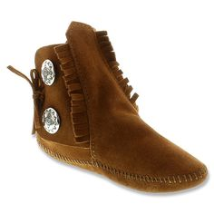 Minnetonka Two-Button Boot | Women's - Brown Suede (Softsole)