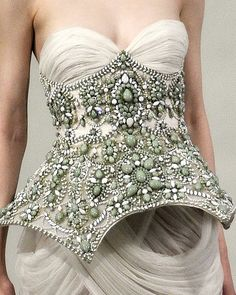 marchesa - via: missredrosestoo - Imgend
