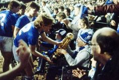 Great photo of players celebrating their 1985 League Title win with their disabled supporters! I Hate Love, Everton Fc, Great Photos, Premier League, Liverpool, Champion, Football, Club, Concert