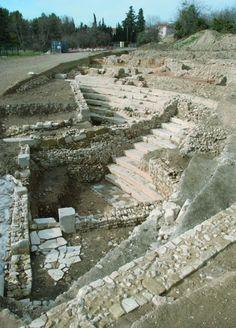Le théâtre d'Aix en Provence (Aquae Sextiae) a été découvert et fouillé à partir de 2004. Il est adossé à une pente, comme à Orange ou Vaison-la-Romaine, permettant une économie des coûts de construction. Il ne se trouve pas à proximité du forum mais sur une terrasse qui surplombe le decumanus maximus : les voyageurs entrant dans Aix par la route d'Arles se retrouvaient immédiatement face à lui, à peine 30 mètres derrière le rempart