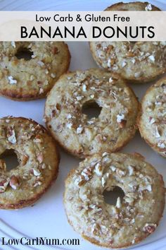 Donuts are so sweet and go so well with morning coffee. This low carb banana nut muffin donut is a perfect grab and go breakfast to enjoy on a busy morning. Donuts Keto, Protein Donuts, Healthy Protein Snacks, Healthy Low Calorie Meals, High Protein, Vegan Protein, Keto Pancakes, Healthy Food, Diabetic Breakfast Recipes