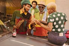 Levi's Vintage Clothing Debuts Dancehall & Reggae-Infused Fall Collection Reggae Art, Reggae Style, Reggae Music, Jamaica Outfits, Dancehall Reggae, Vintage Outfits, Vintage Clothing, Character Poses, Afro Art