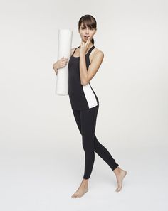 For all the yoga fanatics who need some fresh gear in 2016, look no further. Kate Spade New York and Beyond Yoga have created a playful athleisure collection you'll want to get your hands on.