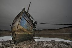 an old wreck on loch fyne, which surrounds the fidhing village of tarbert