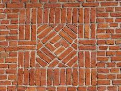 brick pattern, possibly stone in center Brick Tiles, Brick Pavers, Brick Flooring, Brick Garden, Garden Paving, Garden Paths, Brick Wall Decor, Brick Bonds, Paving Pattern