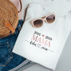 Personalized T-Shirt Midwife White made of cotton for obstetricians, midwives, gift midwife, pregnancy, baby Personalized Mother's Day Gifts, Personalized Shirts, Braut Shirts, Mama T Shirt, Mom Shirts, T Shirts For Women, Groom Shoes, Gifts For Your Sister, T Shirt World