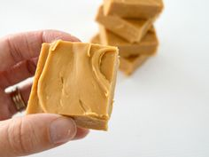 Every home needs a caramel fudge recipe in the recipe book. Caramel fudge is loved by pretty much everyone (do you know anyone who doesn't love it?).