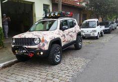 Flagra do Jeep Renegade Trailhawk preparado para as trilhas (Foto: Reprodução)
