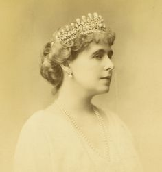 Queen Marie of Romania The Court Jeweller Queen Mary, King Queen, Romanian Royal Family, Royal House, Black And White Portraits, Prince And Princess, Tiaras And Crowns, Queen Victoria, British Royals