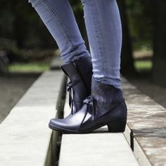 Elegant and stylish for those who like walking on a small heel (3cm). www.lointsofholland.com