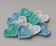 crochet heart appliques in lovely colors <3 LIMITLESS possibilities!