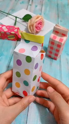 Cool Paper Crafts, Paper Crafts Origami, Diy Crafts For Gifts, Diy Arts And Crafts, Creative Crafts, Fun Crafts, Crafts For Kids, Fabric Crafts, Craft Presents