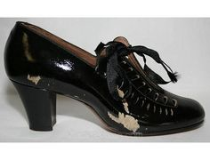 Flapper Era 1920s Black Pumps with Teardrop Cutwork - Size 5.5 - Shoes - Authentic - Deadstock - In Original Box - Gorgeous Design - 28543-1