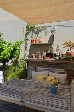 Photo by Slowgarden. http://www.slowgarden.fr/  Rooftop by Slowgarden, South France.