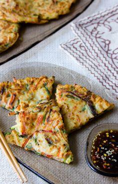Easy Korean Pancakes - Pajun (Pajeon) with Spicy Soy Dipping.- Easy Korean Pancakes – Pajun (Pajeon) with Spicy Soy Dipping Sauce Easy Korean Pancake Recipe, Korean Zucchini Pancakes Recipe, Korean Jeon Recipe, Korean Seafood Pancake, Vegetarian Recipes, Cooking Recipes, Vegetarian Pizza, Cooking Pork, Cooking Wine