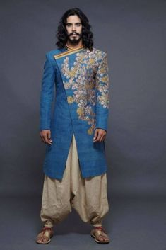 40 Top Indian Engagement Dresses for Men - Prom Dresses Design Engagement Dress For Groom, Engagement Dresses, Mens Sherwani, Blue Sherwani, Indian Groom Wear, Mens Kurta Designs, Indian Men Fashion, Groom Fashion, Indian Man
