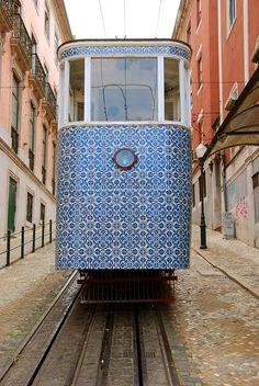 Lisboa dresses up   By Tina