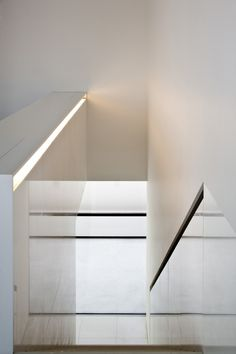 Atrium House by Fran Silvestre Arquitectos. _