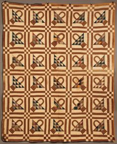 Alabama basket pattern quilt, pieced and appliqued cotton with 30 squares and a blue and gold border in shades of blue, gold and and brown. Machine stitched basket handles, other areas appear hand … Amish Quilts, Old Quilts, Antique Quilts, Scrappy Quilts, Barn Quilts, Vintage Quilts, Quilting Tutorials, Quilting Projects, String Quilts