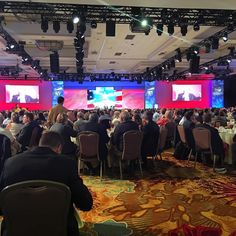 """""""Had a pretty fun time listening to #jimmessina and#karlrove talk at #EY #eysgf2015 #eysgf #palmsprings @ambrygenetics they each had much better senses of…"""""""