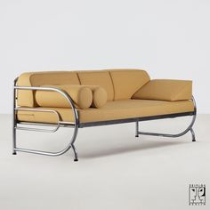 steel furniture Tubular steel couch/daybed in the style of the Czech Modernism - Image 2 Bauhaus Furniture, Couch Furniture, Art Deco Furniture, Furniture Layout, Metal Furniture, Repurposed Furniture, Furniture Design, Daybed Couch, Luxury Furniture