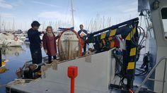 La Consejería de Agua, Agricultura y Medio Ambiente pone en marcha desde hoy una embarcación para limpiar las aguas del Mar Menor. El barco que se incorpora al Servicio de Vigilancia Marí ...