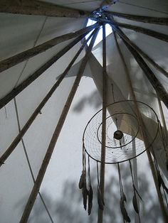 DREAM CATCHER - Wonderful, my dad would love this... teepee and all! Would take him back to his child-hood days!!!