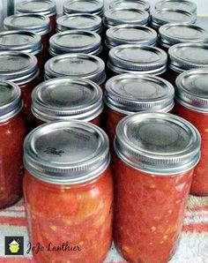 Old Fashioned Canned Tomatoes. A great easy tutorial & recipe so you can capture the taste of Summer and enjoy during the Winter months! Good Old Fashioned Canned Tomatoes. Oh boy! This is a wonderful Canning Stewed Tomatoes, Canning Vegetables, Tinned Tomatoes, Veggies, Stewed Tomato Recipes, Fresh Tomato Recipes, Home Canning Recipes, Canning Tips, Dips