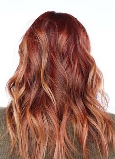 Hottest Copper Red Hair Color Trends for Bold Look in 2019 - Copper Hair Red Copper Hair Color, Bold Hair Color, Red Ombre Hair, Hair Color Highlights, Hair Colors, Copper Ombre, Aveda Hair Color, Natural Red Hair, Holiday Hairstyles