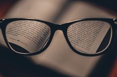 Everything You Need to Know About Short-sightedness Treatment: Most people prefer to wear glasses or contact lenses, while others opt for Lasik surgery. Beatles, France Culture, How To Remove, How To Apply, Book Folding, Stay Focused, Reading Glasses, Barack Obama, Book Art