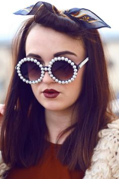 EXTRAVAGANT DESIGNER WOMENS PEARL ROUND FASHION SUNGLASSES 8527