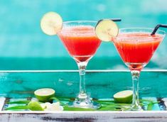 Mocktails: 6 recettes sans alcool pour se rafraichir - ELLE.be Sweet 16, Margarita, Cocktails, Martini, Cooking, Tableware, Cheers, Lifestyle, Raspberry Lemonade