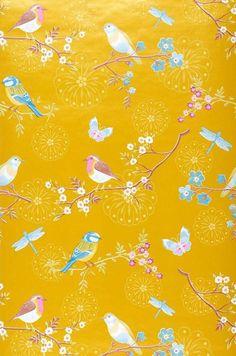 52,90 € Prix par rouleau (par m2 10,17 €), Papier peint romantique, Matériel de base: Papier peint intissé, Surface: Lisse, Aspect: Motif mat, Surface chatoyante, Design: Fleurs, Papillons, Oiseaux, Couleur de base: Jaune or, Couleur du motif: Violet bruyère, Jaune, Bleu clair, Brun cuivré, Blanc, Caractéristiques: Bonne résistance à la lumière, Difficilement inflammable, Arrachable à sec, Encollage du mur, Lessivable
