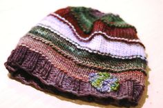 Very simple, yet attractive hat. Perfect for using up scraps.