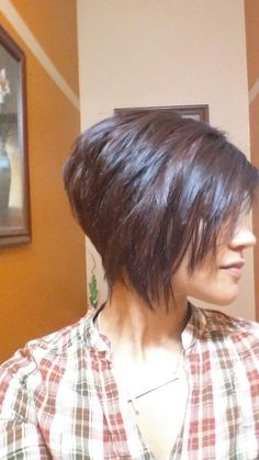 Pixie Bob Layered Brown The post Pixie Bob Layered Brown appeared first on Frisuren. Short Bob Hairstyles, Pretty Hairstyles, Short Haircuts, 2015 Hairstyles, Medium Hairstyles, Braided Hairstyles, Wedding Hairstyles, Short Hair Cuts For Women, Short Hair Styles