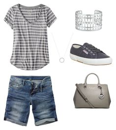 """Casual mom with understated accessories. Bermuda shorts, with orthotic friendly Superga shoes. Easy, affordable non-frumpy outfit for busy Mom. Casual Mom Style, Casual Outfits For Moms, Summer Work Outfits, Simple Outfits, Short Outfits, Spring Outfits, Work Casual, Summer Shorts Outfits, Young Mom Outfits"