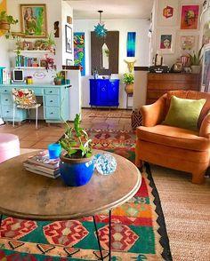 Home Living Room, Living Room Decor, Bedroom Decor, Colourful Living Room, Retro Home Decor, Eclectic Decor, Home Decor Inspiration, House Design, Decoration