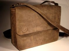 Look for more messenger bags at www.leathermessengerbags.top  Handmade Leather Bag