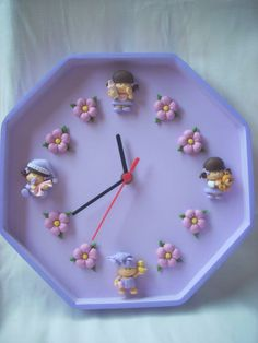 RELOJ Polymer Clay Christmas, Cute Polymer Clay, Fimo Clay, Polymer Clay Projects, Polymer Clay Creations, Clay Magnets, Play Clay, Pink Wallpaper Iphone, Clay Figurine
